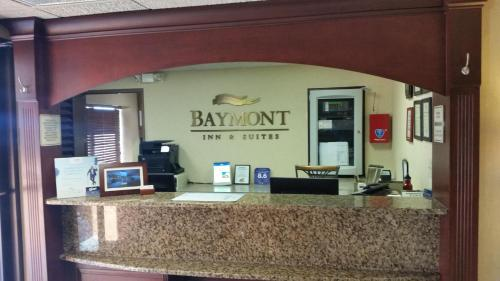 Baymont Inn & Suites - Champaign Photo