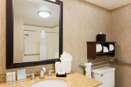 Hampton Inn Champaign/Urbana Photo