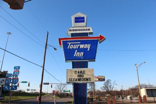Tourway Inn Photo
