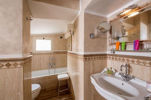 The Inn at the Spanish Steps-Small Luxury Hotels photo 35
