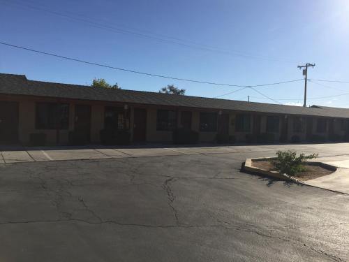 Black Horse Motel - Apple Valley, CA 92307