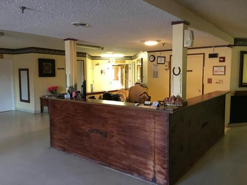 Reddy Inn and Suites Photo