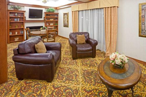 Holiday Inn Express Hotels & Suites Brownwood booking