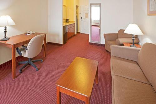 Holiday Inn Express Hotels & Suites Brownwood Photo