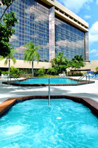 Doubletree By Hilton Hotel Miami Airport & Convention Center photo