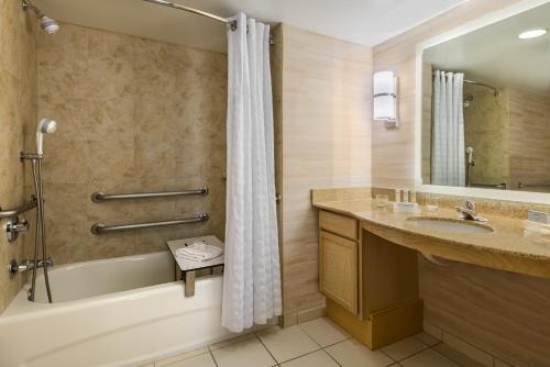 Homewood Suites by Hilton Orlando-Nearest to Universal Studios photo 2