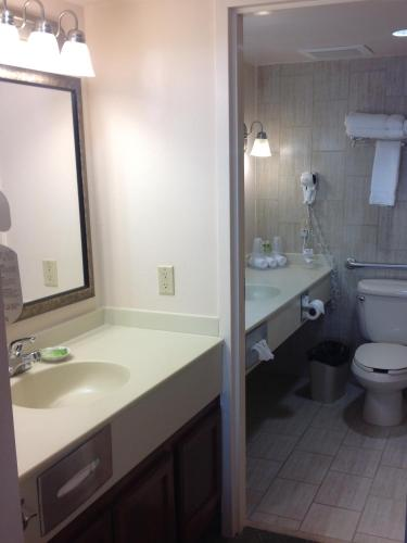Holiday Inn Express Pensacola Beach Photo
