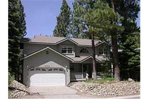 1203 Golden Bear Holiday Home