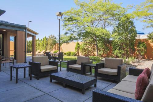 Courtyard by Marriott Flint Photo