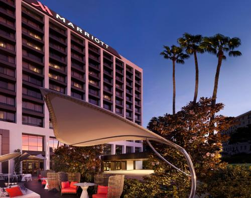 Beverly Hills Marriott Photo