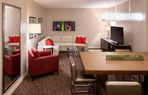 Hilton Garden Inn Downtown Dallas Photo