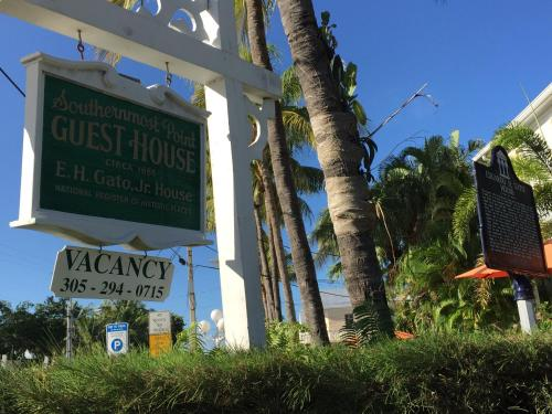 Southernmost Point Guest House Photo