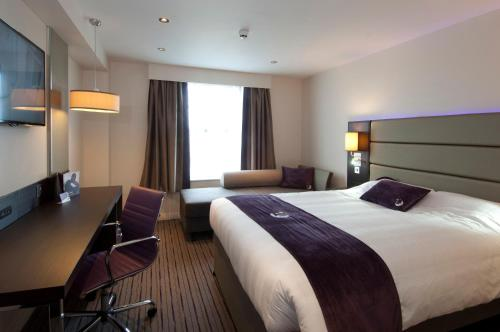 Premier Inn Birmingham Central - Hagley Road photo 26