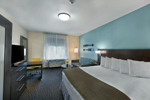 Oxford Suites Bellingham Photo