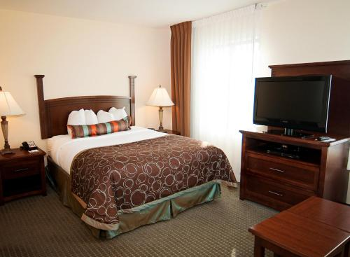 Staybridge Suites Wichita Photo