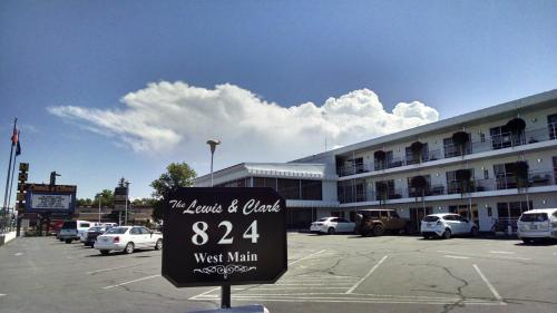 The Lewis & Clark Motel of Bozeman Photo