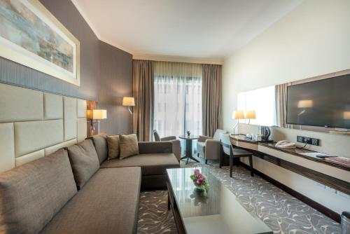 Hawthorn Suites by Wyndham Abu Dhabi City Center photo 16