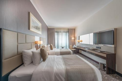 Hawthorn Suites by Wyndham Abu Dhabi City Center photo 31