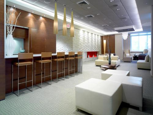 Global Luxury Suites at Columbus Photo