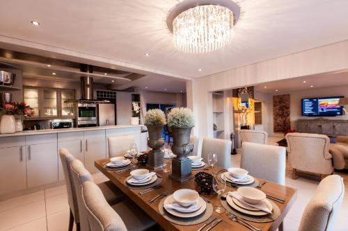 Camps Bay Luxury Villa Photo