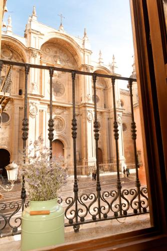 Casa de la catedral granada spain overview for La casa de granada madrid
