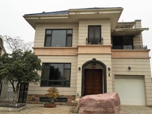Villa Next to Jinyin Lake International Golf Club