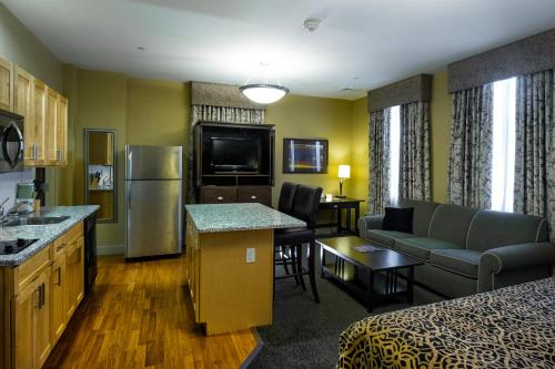 The Parker Inn and Suites Photo