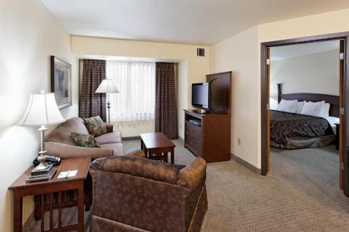 Staybridge Suites Missoula Photo