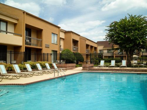 Courtyard Atlanta Glenridge⁄Perimeter