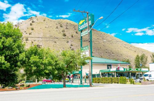 Sandman Inn Cache Creek Photo