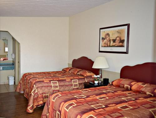 Centre Suite Inns Motel Photo