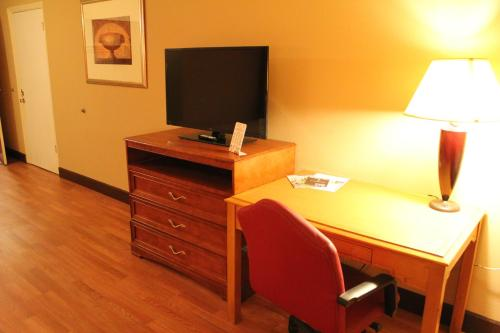 Fortuna Inn and Suites Photo