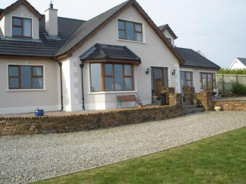 Photo of Inishowen Lodge B&B Hotel Bed and Breakfast Accommodation in Moville Donegal