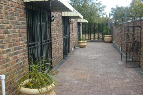 Coral Tree Guest Rooms Photo