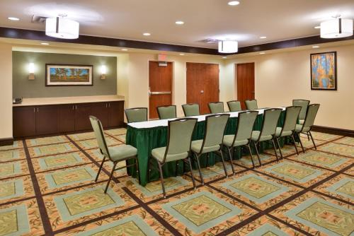Hampton Inn & Suites Fort Belvoir Alexandria South Photo