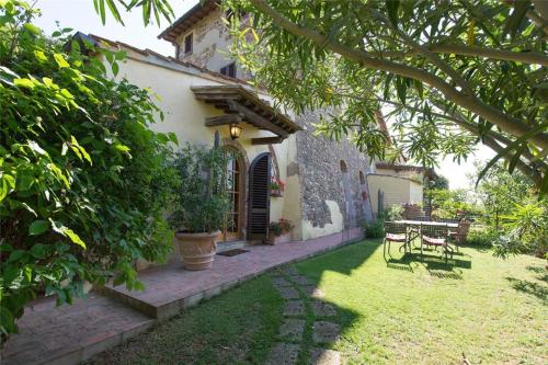 Two-Bedroom Holiday home in T Val Di Pesa II - фото