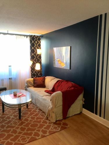 Blue Nest Apartment - Stamford, CT 06902
