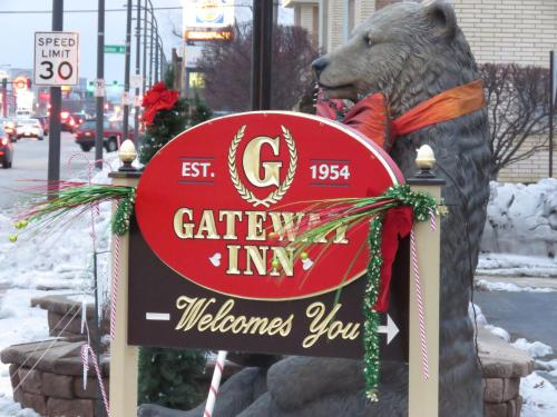 Gateway Inn Photo
