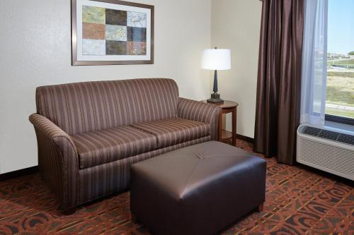 Hampton Inn & Suites Milwaukee/Franklin Photo