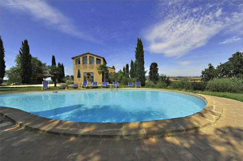 Three-Bedroom Holiday home in Buonconvento, Ponte d'Arbia