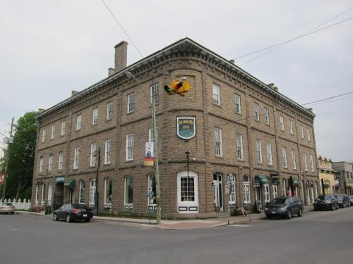 Baldachin Inn Photo