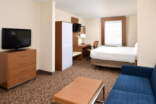 Holiday Inn Express Hotel & Suites Bonita Springs Photo