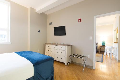 Winthrop Beach Inn and Suites Boston Logan Airport Photo