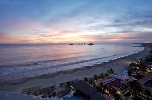 Park Royal Ixtapa-All Inclusive Photo