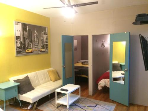 Three-Bedroom Apartment Central Park East Photo