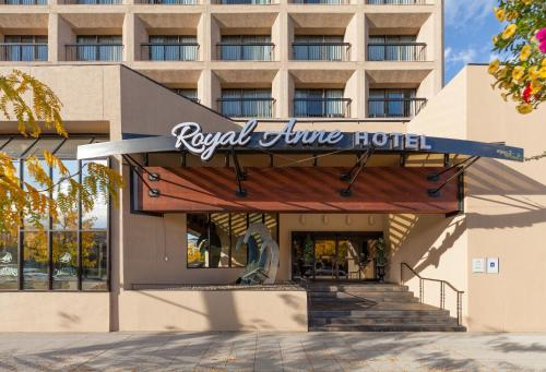 Royal Anne Hotel Photo