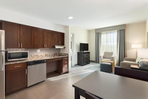 Homewood Suites by Hilton Frederick Photo