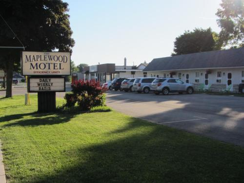 The Maplewood Motel Photo