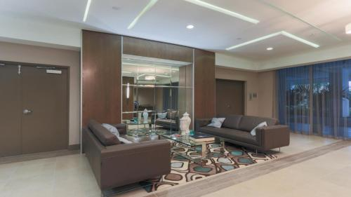 Furnished Suites at Coconut Grove Photo