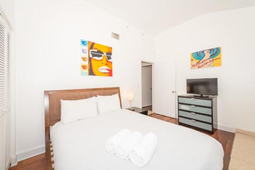 Hispaniola Two-Bedroom Apartments by Royal Stays Photo